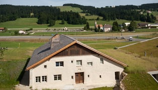 Hr_gf-ferme-outside