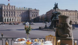 Hotel-astoria-st-petersburg-–-tchaikovsky-royal-suite-terrace-overlooking-st-isaac's-square-742
