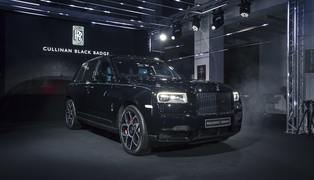 Российская премьера cullinan black badge (1)